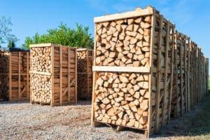 Legna da ardere: quale scegliere per una combustione efficiente ed ecologica